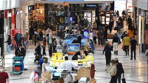 פתיחת חנויות בקניון איילון לאחר הסגר השלישי, 21 בפברואר 2021. ראובן קסטרו