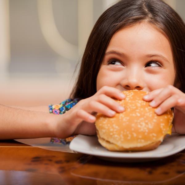 ילדים אוכלים נכון