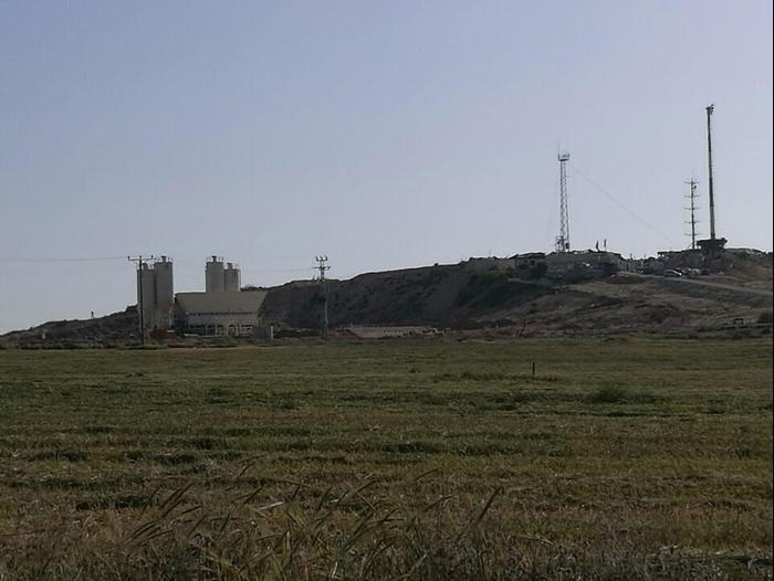 מפעל בטון שהוקם ע