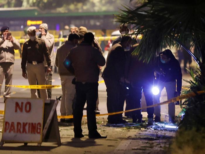 Les forces de sécurité près de l'ambassade d'Israël à New Delhi après une explosion le 29 janvier 2021. Reuters
