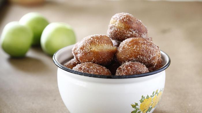 סופגניות תפוחים של מירב שיינר