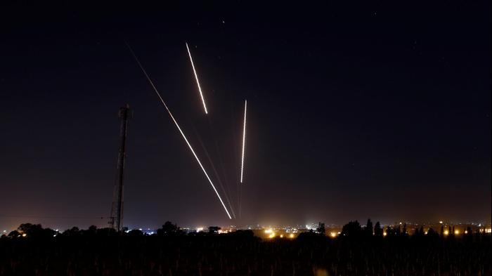 שיגור רקטות מרצועת עזה לשטח ישראל, 25 במרץ 2019. רויטרס