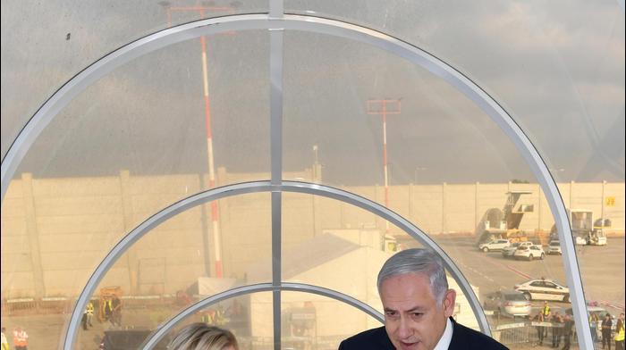 ראש הממשלה בנימין נתניהו ורעייתו שרה ממריאים לביקור מדיני בלונדון. ספטמבר 2019