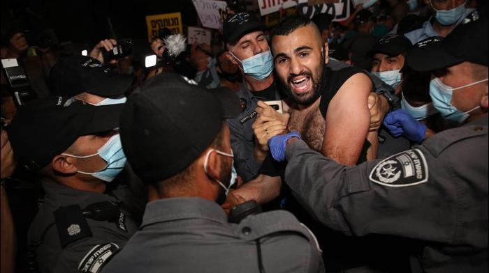 עימותים בהפגנה מול מעון ראש הממשלה בבלפור, ירושלים, 14 ביולי 2020