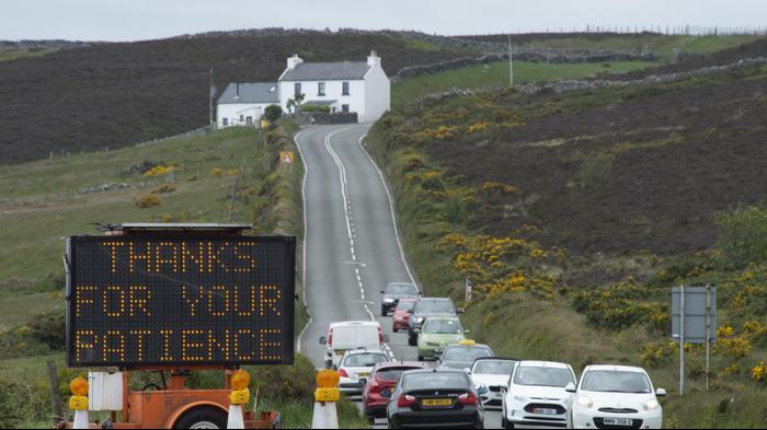 שלט דרכים בין אנגליה לאירלנד בצל התפשטות נגיף הקורונה, אוגוסט 2020