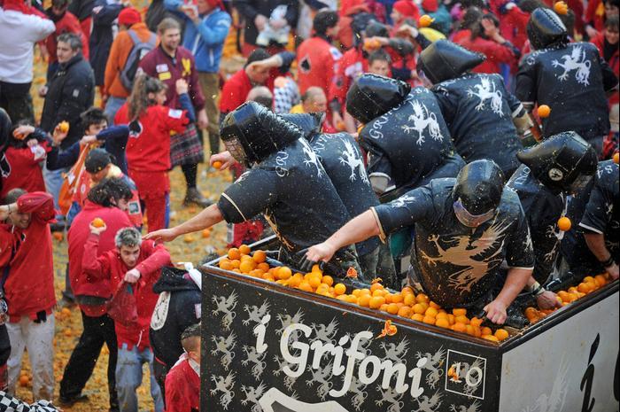 קרנבל קרבות התפוזים באיבראה (ShutterStock)