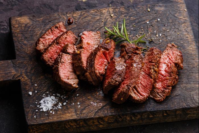 מאוד מה זה יישון בשר? השיטה שתהפוך את הסטייק לרך במיוחד - וואלה! אוכל WD-17