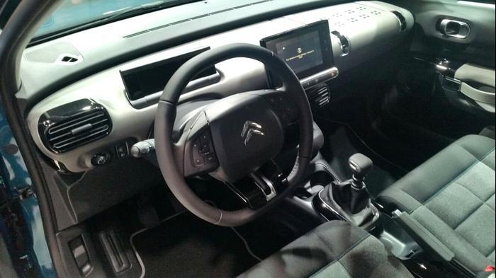 מפואר בועות חדשות, נוח יותר ומעוצב. סיטרואן קקטוס החדש - וואלה! רכב FK-17