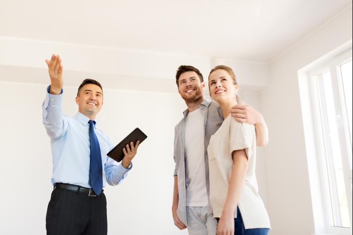 מתווכים תיוון השכרת דירה (ShutterStock)