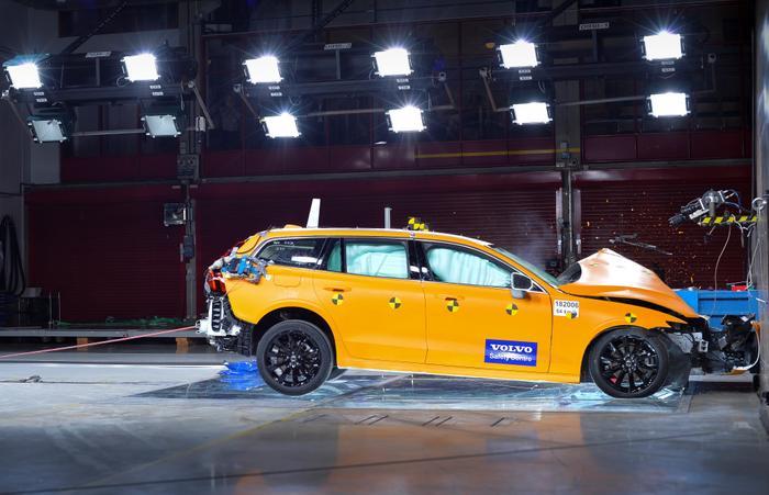 מדהים דור חדש למכונית הסטיישן וולוו V60 - וואלה! רכב CK-13