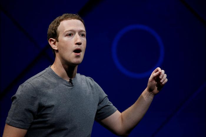 """מארק צוקרברג, מייסד, ומנכ""""ל פייסבוק, במהלך כנס מפתחי F8 בסן חוזה, קליפורניה, ארה""""ב 18 באפריל 2018 (רויטרס)"""