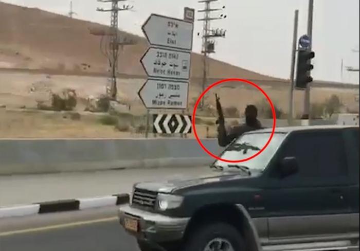 ארגוני הפשע הערבים והבדואים שמים זין על המשטרה והחוק-הגיע הזמן להחזיר מלחמה ! 2595632-46