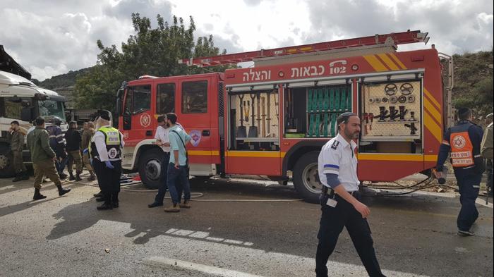 """בית חורון: """"היינו על הרצפה, ילדים ותינוקות"""": האוטובוס פגע ברכב"""