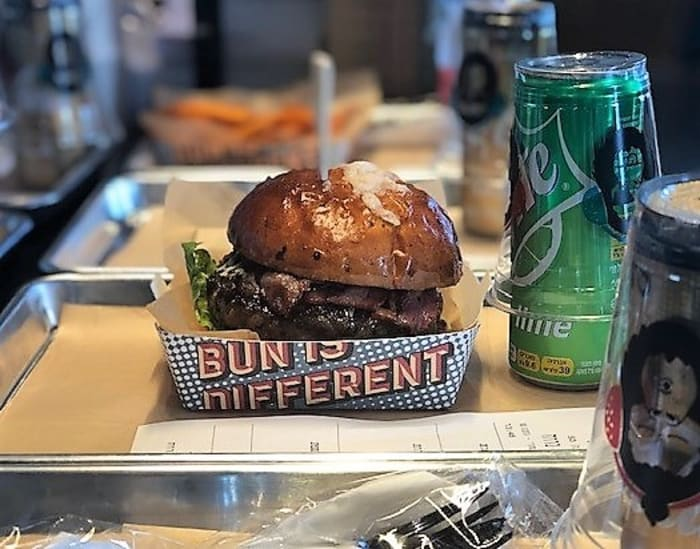 "מיסטר באן בורגר, mr. bun burger (יח""צ , ישראל אלפסה פליי סטודיו)"
