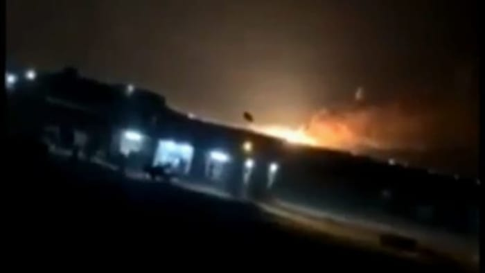 מחסן של טילים איראני עולה באש אחרי שהופצץ, עיראק, 19 יולי 2019 (אתר רשמי)