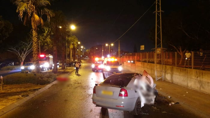Vehicle crashes into Ashkelon safety guard, August 29, 2019 (MDA)