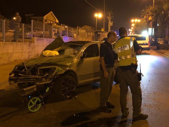 A vehicle crashes into a guardrail in Ashkelon, August 29, 2019 (Israeli Police spokeswoman)