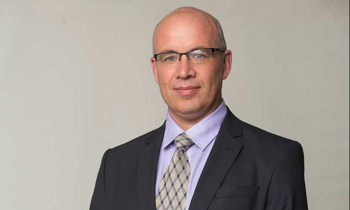 אלכס זבז'ינסקי הכלכלן הראשי של מיטב דש (אתר רשמי , אתר מיטב דש)