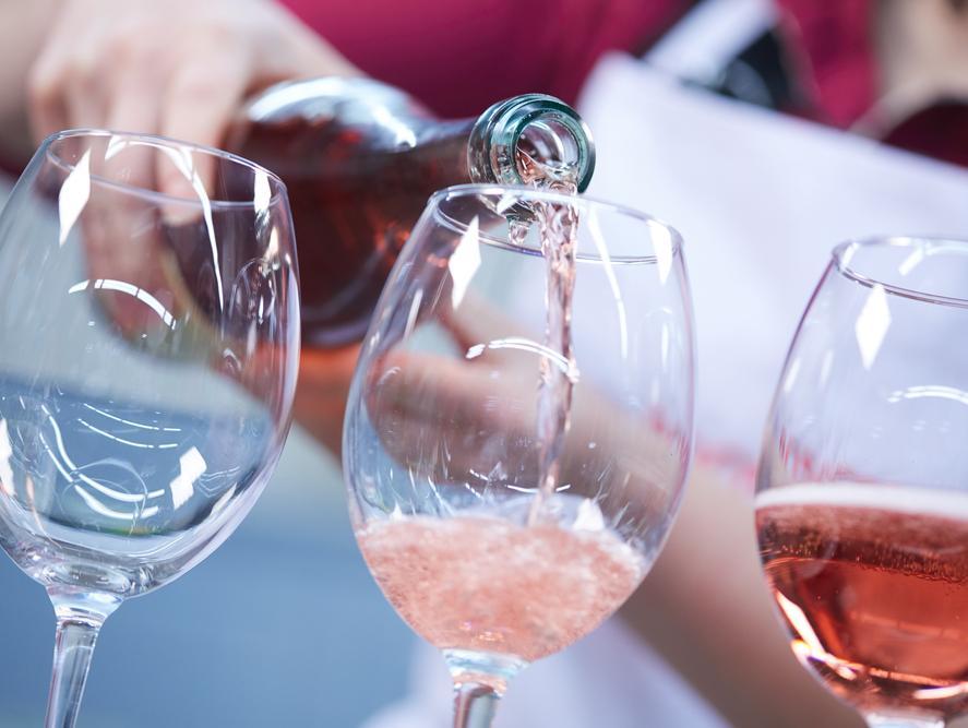 כוס יין רוזה
