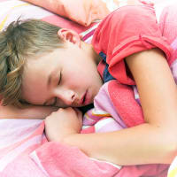 הרטבת לילה מעל גיל 5 (ShutterStock)