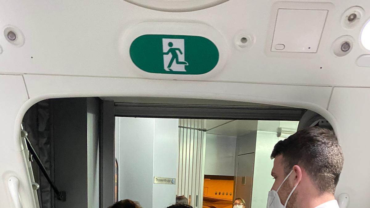 טיסת החילוץ של חברת אל על מבוגוטה, קולומביה עם מטיילים ישראלים המריאה לישראל, 26 במרץ 2020