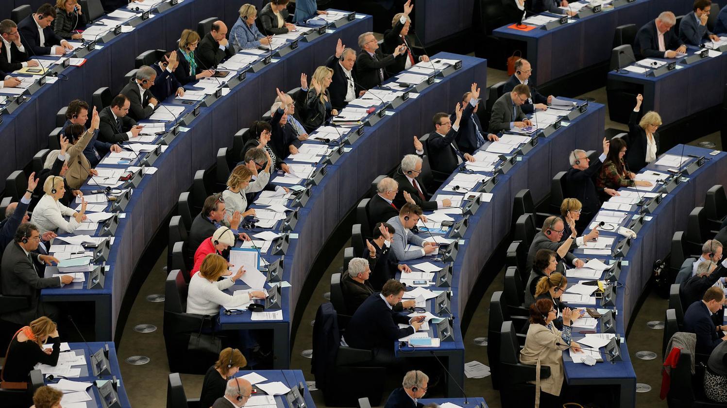 ההצבעה בפרלמנט האירופי על העברת מידע על נוסעים בטיסות, שטרסבורג, 14 באפריל 2016
