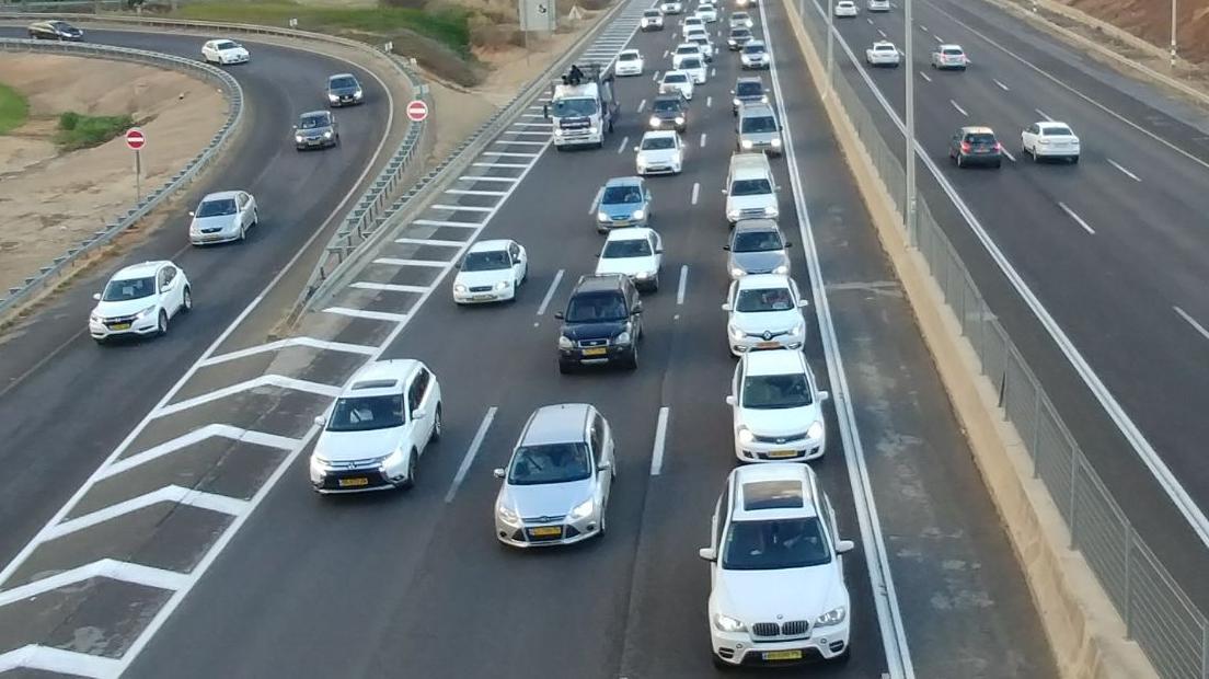 פקקים בכביש החוף, מחלף השלום בנתניה, 2 בנובמבר 2017